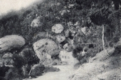 Carretera-santa-Cecilia-Montserrat-1898-font-Santa-Cecilia-tapes-blaves-2