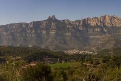 Fotografia de Montserrat feta l'any 2019 des de l'estació de Castellbell i el Vilar