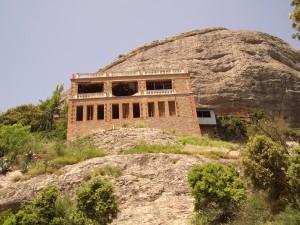 Ermita de Sant Joan. Restaurant sobre l'ermita. Estat any 2004